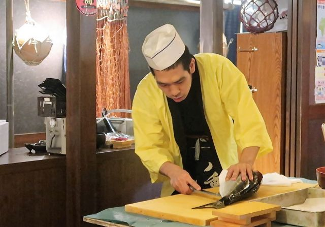 Meet a professional chef in Japan for a unique hands-on experience: the art of sushi-making