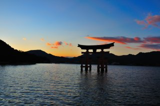 Highlights of Japan and Korea with Hiroshima: Cherry 
