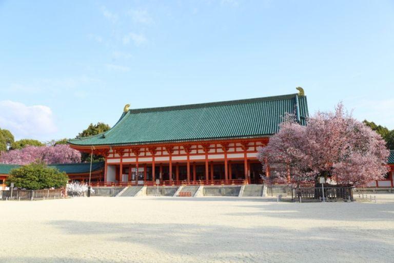 Heian Shrine; Shinto Shrine; Jidai Matsuri; Kyoto, Japan; All Japan Tours; Kyoto; Where to Go in Kyoto in Three Days; Best Kyoto Itinerary; Cherry Blossoms; Autumn Leaves; Cherry Blossom Season;