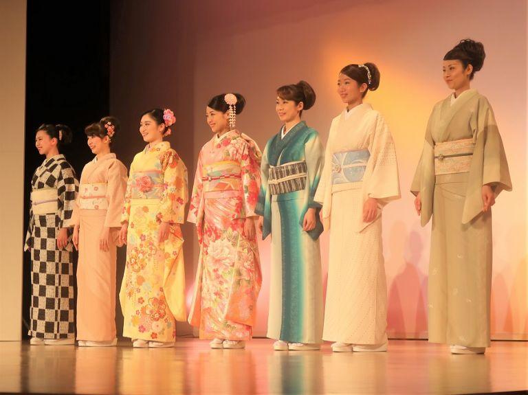 Nishijin Textile Center kimono fashion show iromuji kimono furisode kimono new kimono modern Japanese kimono designer kimono Japanese women wearing kimono