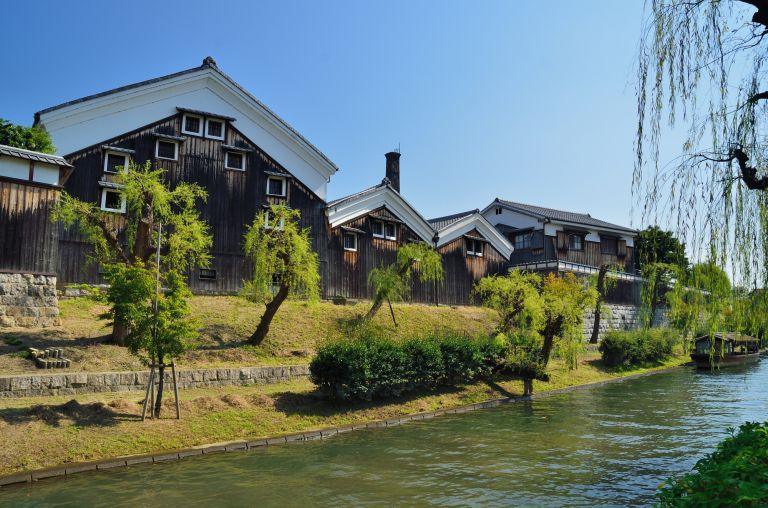 Fushimi Sake District; Sake Rice Wine; Sake Breweries; Sake Museum; Sake Production; Kyoto, Japan; All Japan Tours; Kyoto; Where to Go in Kyoto in Three Days; Best Kyoto Itinerary; Cherry Blossoms; Autumn Leaves; Cherry Blossom Season;